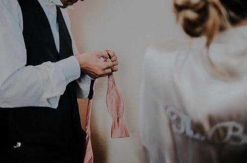 protocolo bodas hombres
